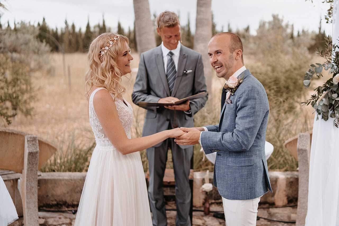 Trauredner Mallorca mit Brautpaar